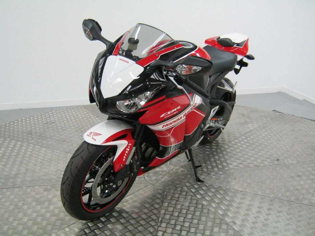 Used Honda CBR1000RR Fireblade available for sale, Red, 1 Miles | Honda Used Motorcycles