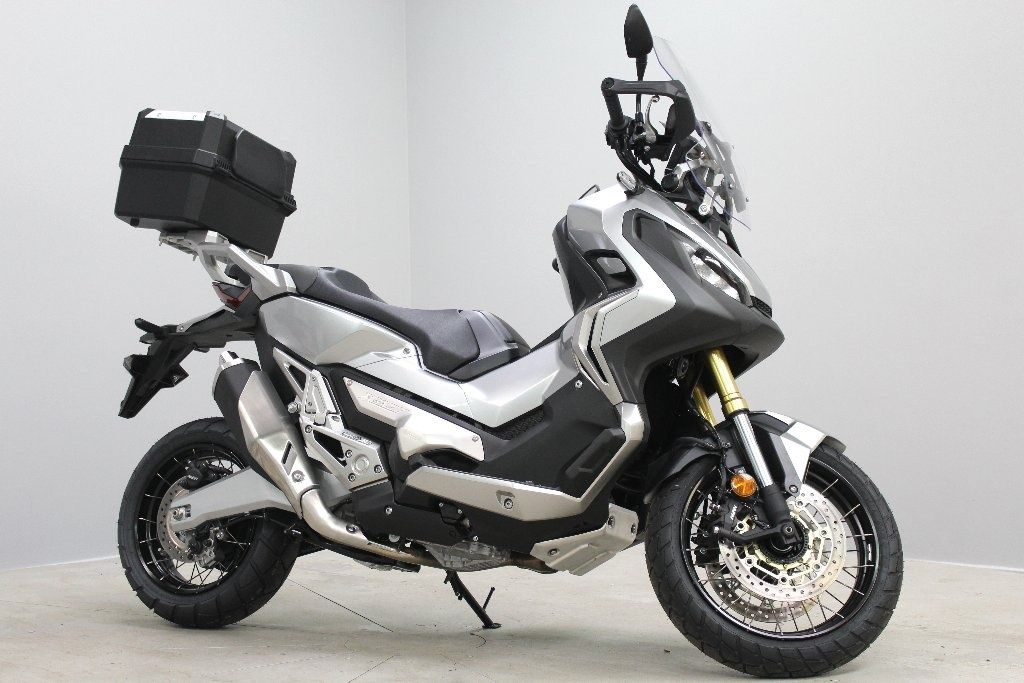 used honda x adv available for sale silver honda used motorcycles. Black Bedroom Furniture Sets. Home Design Ideas